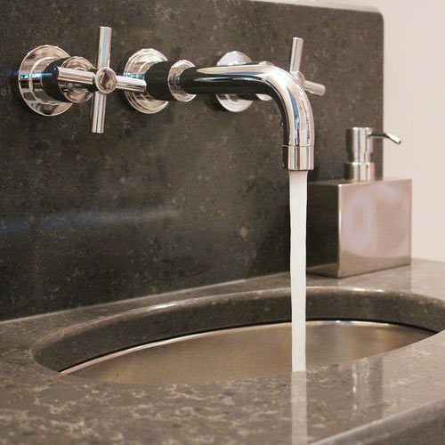 Commercial plumbing contractor in London, ON